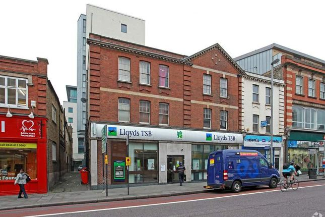 Office to let in Wandsworth High Street, London