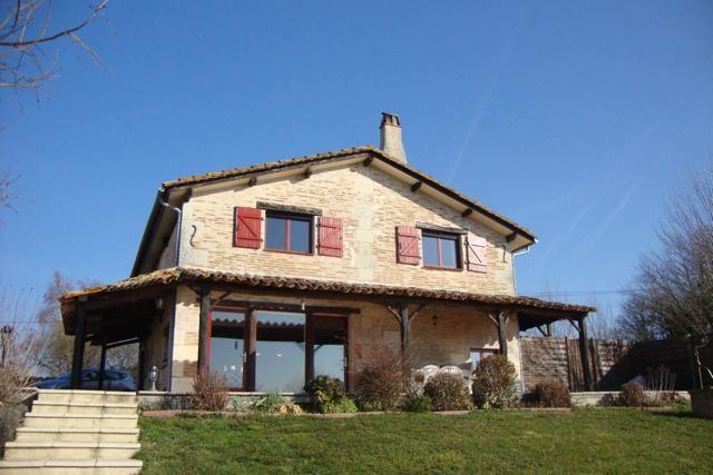 3 bed detached house for sale in La Roche Chalais, La Roche-Chalais, Saint-Aulaye, Périgueux, Dordogne, Aquitaine, France