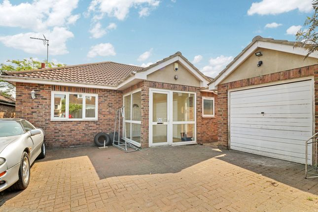 Thumbnail Detached bungalow to rent in Westbourne Grove, Westcliff-On-Sea