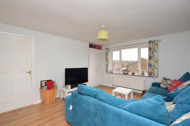 Flat for sale in Pomfret Road, Chartham, Canterbury, Kent