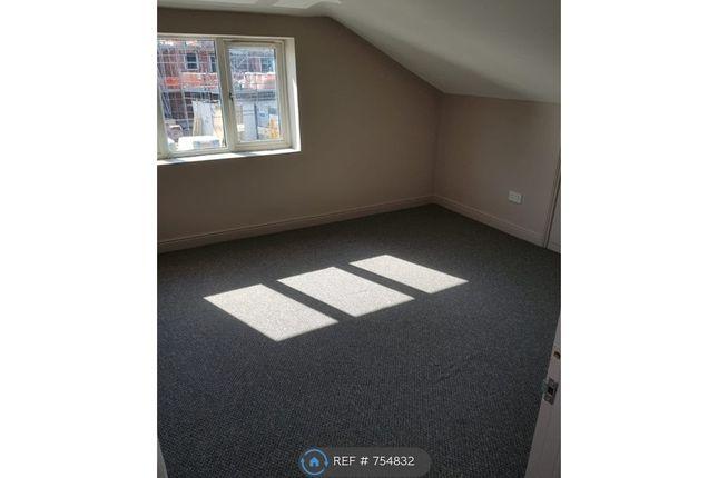 3rd Floor Large Bedroom