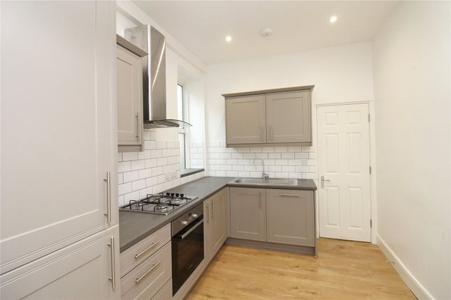 2 bed flat to rent in Lichfield Grove, London