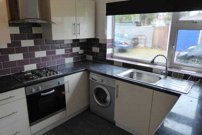 Thumbnail Flat to rent in Wellington Road South, Hounslow