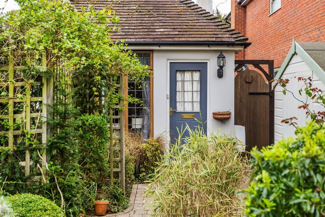 Thumbnail Cottage for sale in High Pine Close, Weybridge