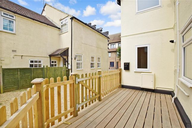 Thumbnail Maisonette for sale in The Crescent, Leatherhead, Surrey