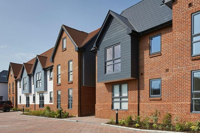 Thumbnail 2 bed flat for sale in Henwick View, Thatcham