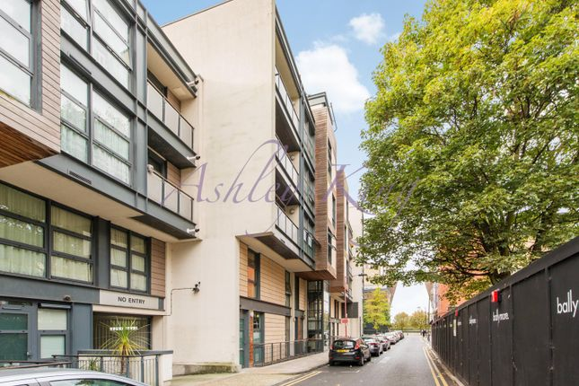 Thumbnail Flat to rent in Manilla Street, London