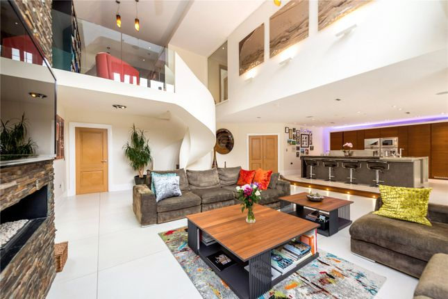 Thumbnail Detached house to rent in Prestbury Road, Wilmslow, Cheshire