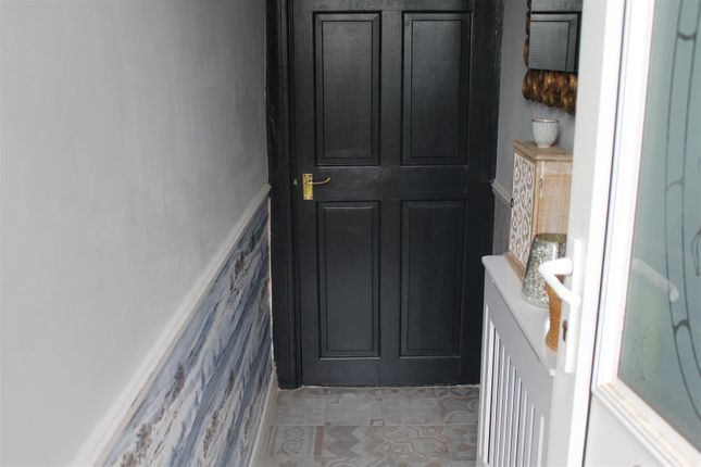 29 Bostock - Front Door (Inside)