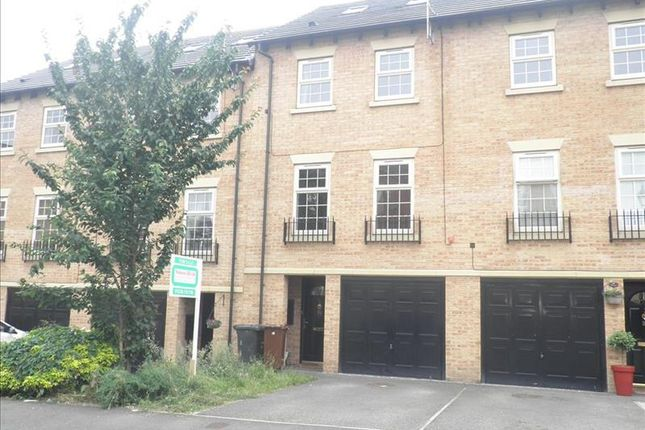 Thumbnail Terraced house to rent in Heathfields, Barnsley