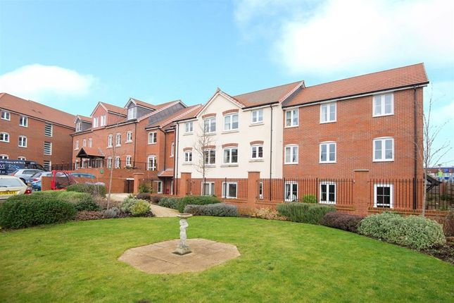 Thumbnail Property for sale in Bellingdon Road, Chesham