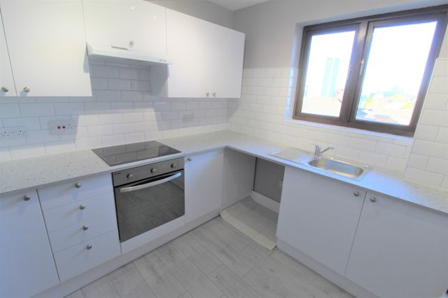 Kitchen of Lugar Street, Coatbridge ML5