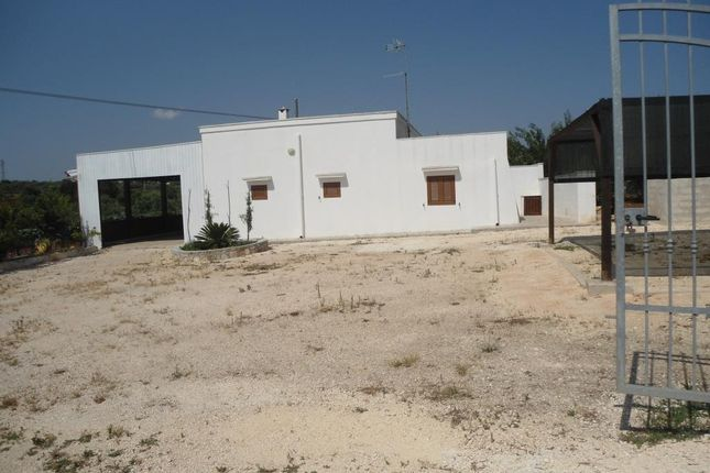 2 bed country house for sale in Contrada Cinera, Ostuni, Brindisi, Puglia, Italy