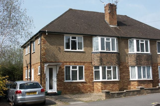 Thumbnail Flat to rent in Station Road, Amersham, Buckinghamshire