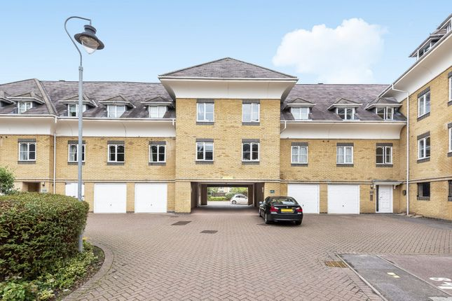 Thumbnail Flat for sale in Century Court, Horsell, Woking