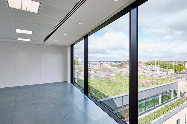 Thumbnail Office to let in Kings House, 174 Hammersmith Road, London