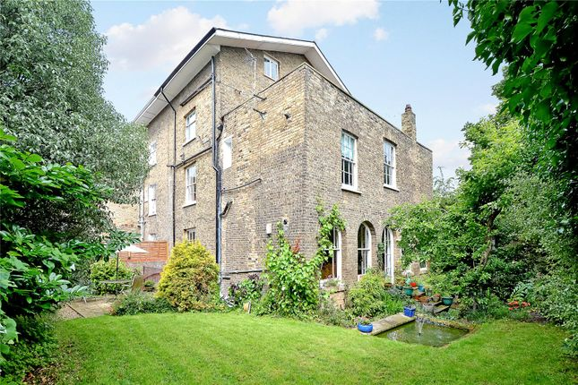 Thumbnail Semi-detached house for sale in Cresswell Park, London