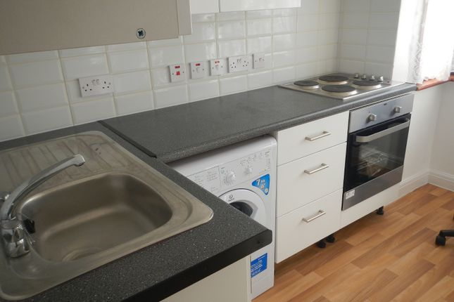 Thumbnail Flat to rent in Elms Court, Wembley