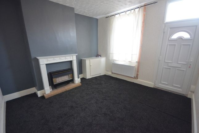 2 bed terraced house to rent in Haycroft Avenue, Grimsby DN31