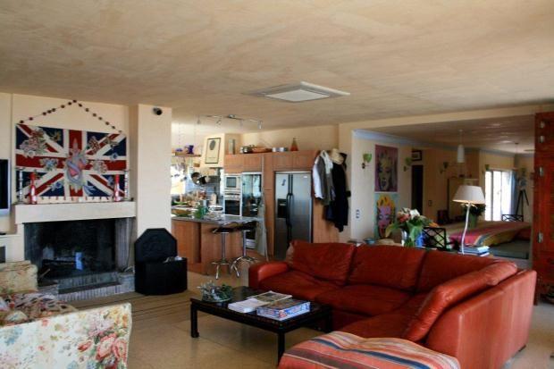Reception of La Garde Freinet, Saint Tropez, French Riviera, 83680