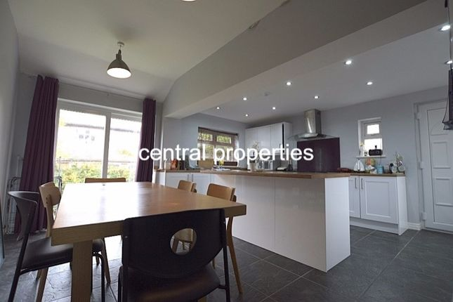 6 bed terraced house to rent in Trelawn Crescent, Headingley, Leeds