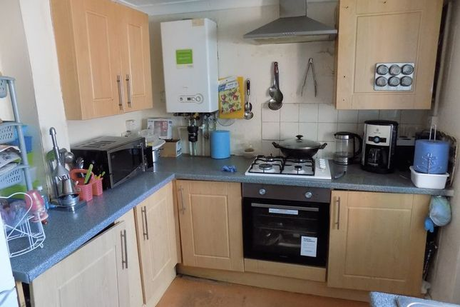 Kitchen of Copley Street, Bradford BD5