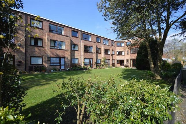 Thumbnail Flat to rent in Barton Court Road, New Milton