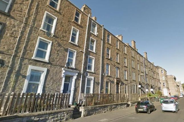 4 bed flat to rent in Cleghorn Street, Dundee DD2