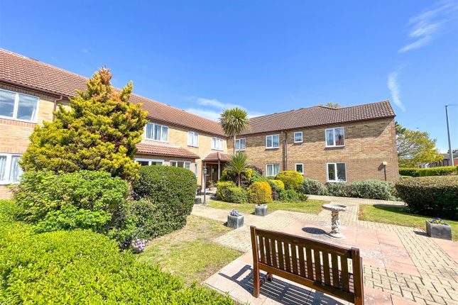 Thumbnail Flat for sale in Havenvale, Coppins Road, Clacton-On-Sea