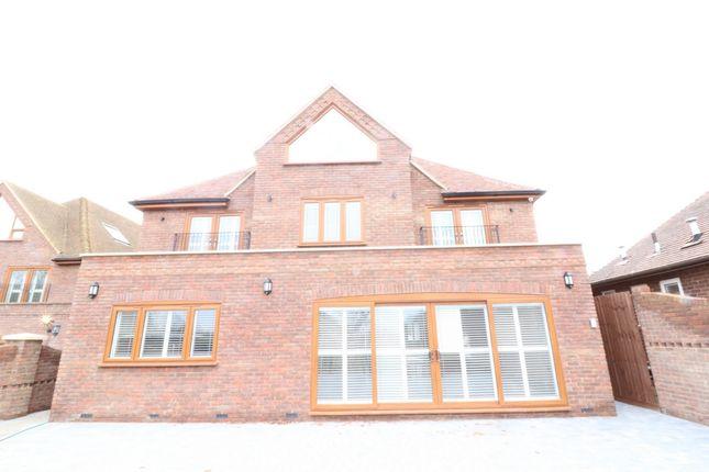 Thumbnail Detached house to rent in Hoe Lane, Abridge