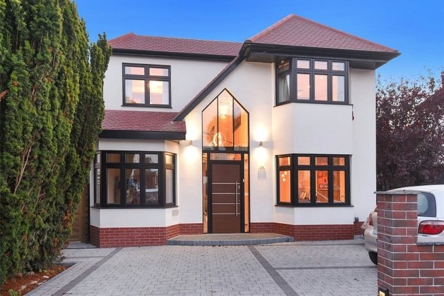 4 bed property for sale in Shepherds Way, Rickmansworth, Hertfordshire