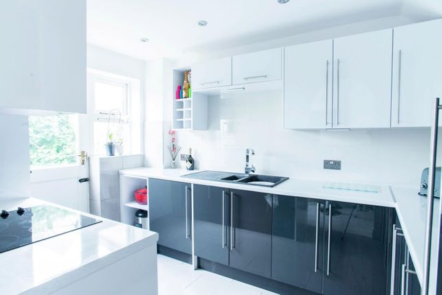 Thumbnail Terraced house for sale in Stuart Close, Pilgrims Hatch, Brentwood
