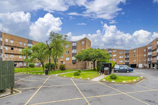 Thumbnail Flat to rent in Coed Edeyrn, Llanedeyrn, Cardiff