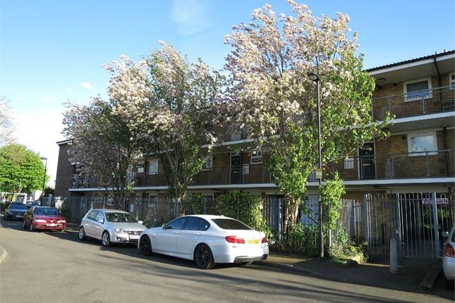 Thumbnail Flat for sale in Ramney Drive, Enfield, Greater London