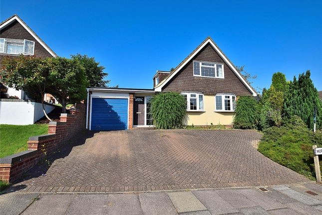 Thumbnail Bungalow for sale in Morland Close, Dunstable, Bedfordshire