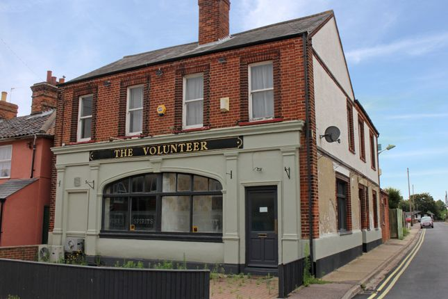 Thumbnail Pub/bar for sale in Haylings Road, Leiston