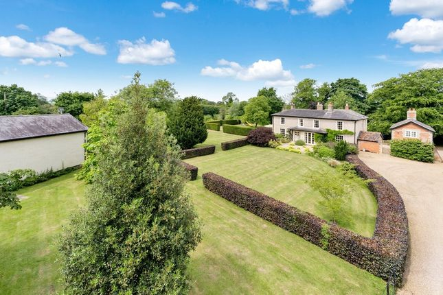 Thumbnail Country house for sale in The Street, Hepworth, Diss