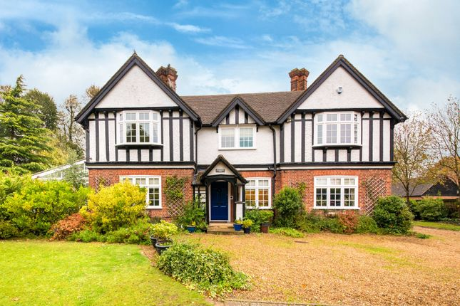 Thumbnail Detached house for sale in Bowlers Mead, Buntingford
