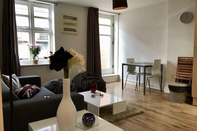2 bed flat for sale in Barton Street, Manchester