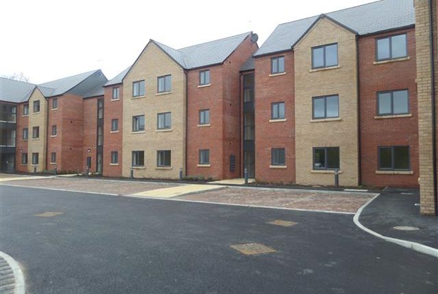 Thumbnail Flat to rent in Station Road, North Hykeham