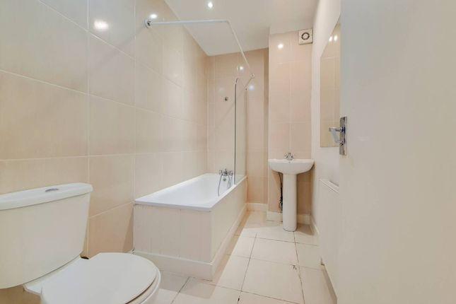 2 bed flat for sale in High Road, Harrow Weald, Harrow HA3