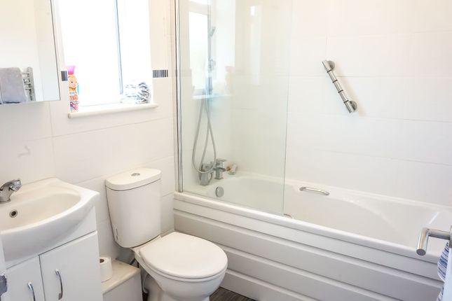 Bathroom of Passmore, Milton Keynes MK6