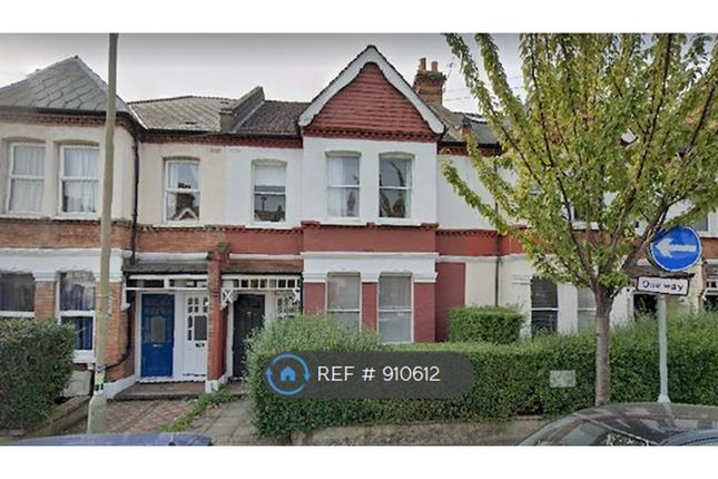 3 bed flat to rent in Oakmead Road, Balham SW12