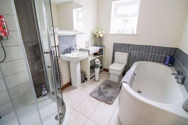Bathroom of The Close, Corton, Lowestoft NR32
