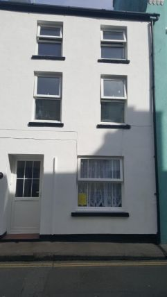 2 bed property to rent in Malew Street, Castletown