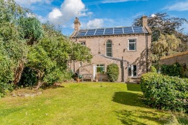 Thumbnail Detached house for sale in Bradford Road, Gomersal, Cleckheaton