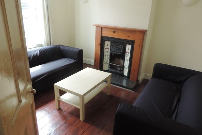 Thumbnail Terraced house to rent in Romsey Road, Winchester