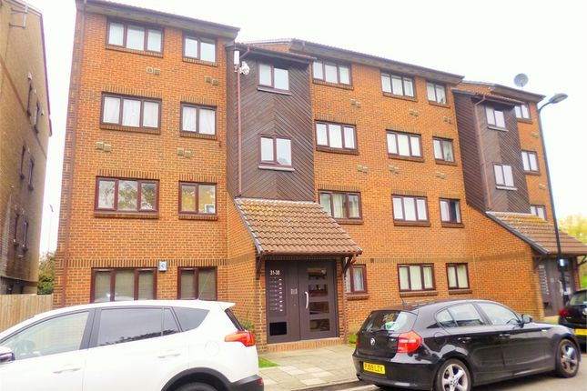 Thumbnail Flat to rent in Wicket Road, Perivale, Greenford, Greater London
