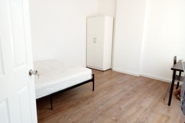 Thumbnail Flat to rent in Baginton Road, Coventry