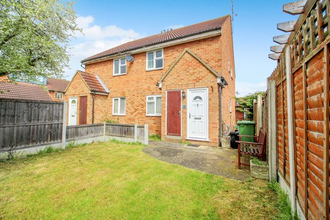1 bed maisonette for sale in Roding Way, Wickford SS12